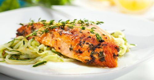 Salmon steak & courgetti
